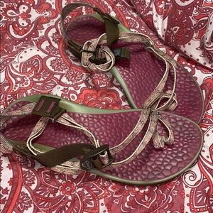 GENTLY USED CHACO'S!!